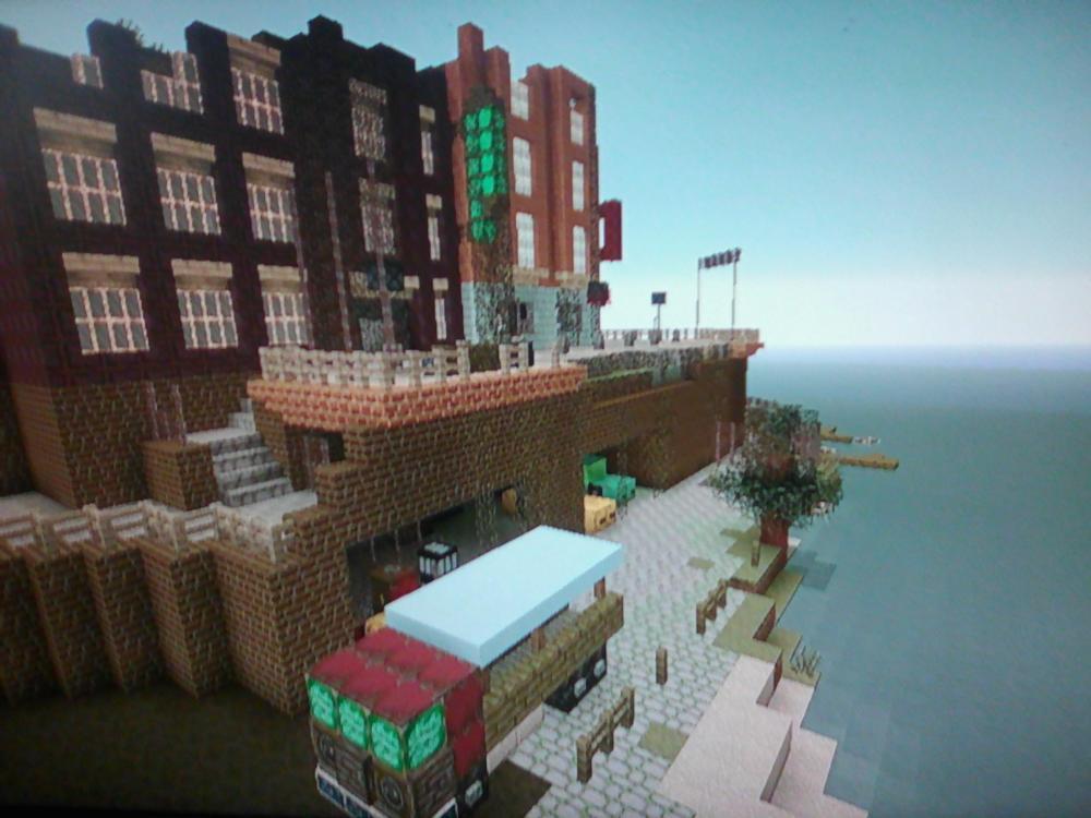 Docks , Hillside Hafenviertel.jpg